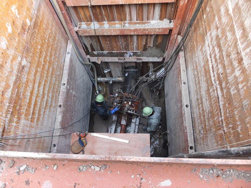 下水道管布設工事(推進工事 深さ6m)