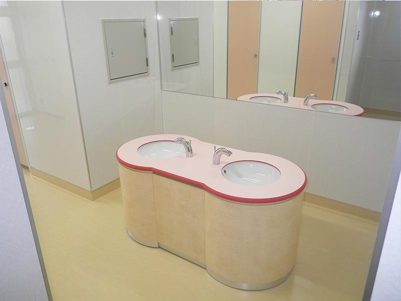 11 三郷小学校トイレ改修工事