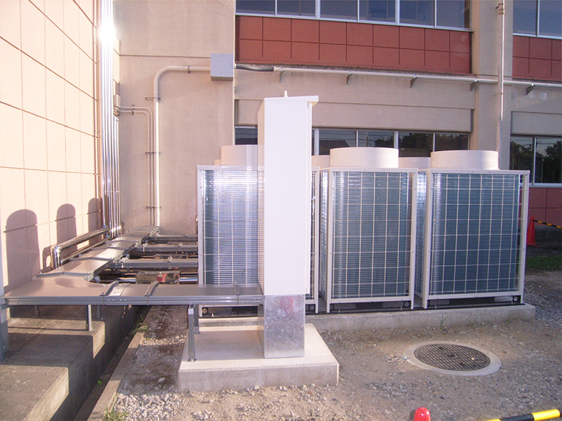 10 坂東小学校 エアコン設置工事